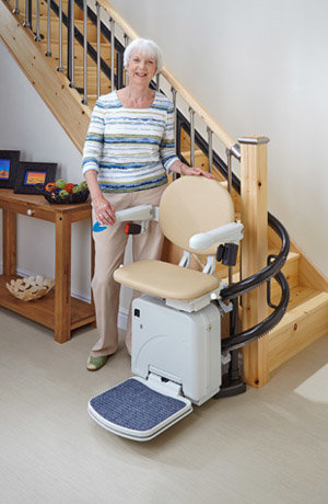 Double rail curved stairlift